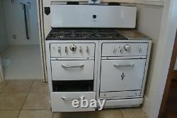 Antique Wedgewood Stove Rare 6 Burners Plus Griddle In Really Good Condition