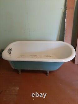 RARE Antique clawfoot Cast Iron Tub 1927 S