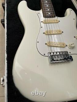 RARE Vintage 1992 Fender Squier Wayne's World Stratocaster electric guitar white