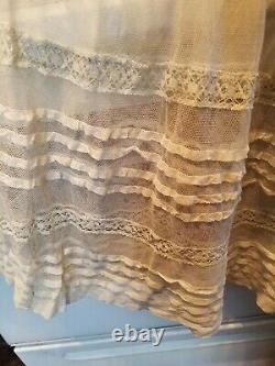 Vintage 1920s VICTORIAN OFF WHITE ORNATE LACE SKIRT / SLIP RARE BEAUTIFUL 24 W